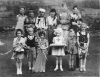 1940s Fancy Dress Farrar